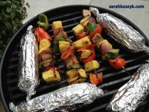 Grilling_Shish_Kabobs_Corn